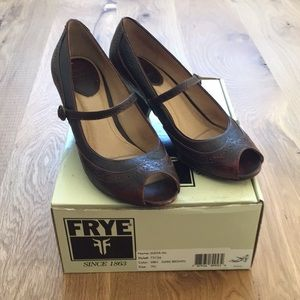 Frye Mary Jane Maya Brown wingtip open toe heels 7